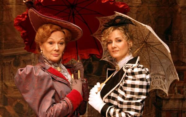 Lady Bracknell & Gwendolen